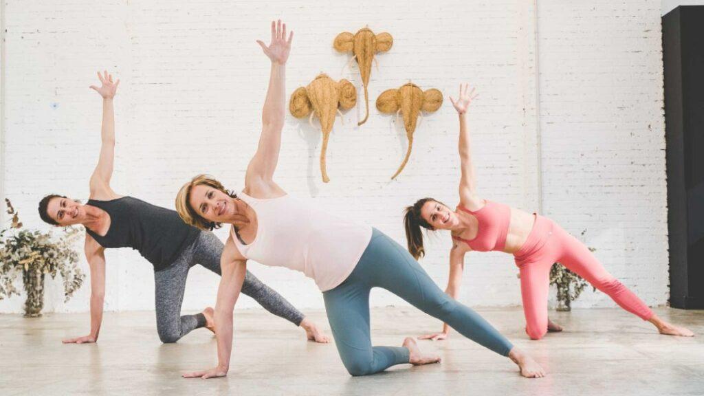 yoga para principiantes: saludo al sol a y b paso a paso