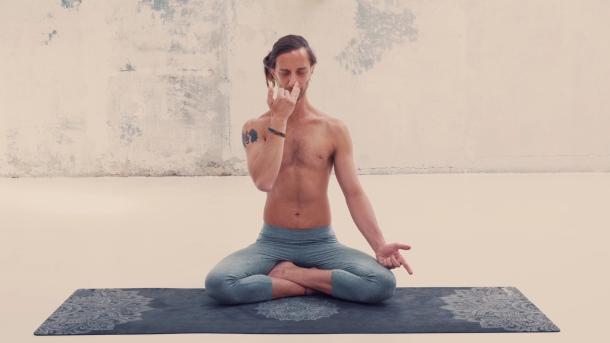 Pranayama y mente-small