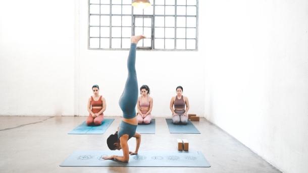 Balanceate con posturas asimetricas-small