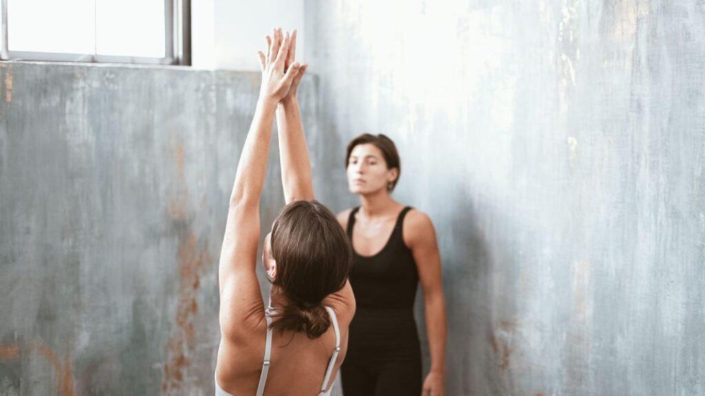 aprende a respirar en yoga con ejercicios de respiración o pranayama