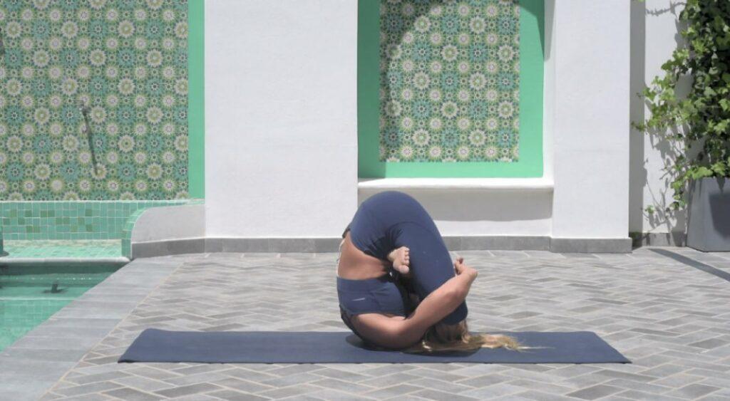 movimientos invertidos en la primera serie de ashtanga