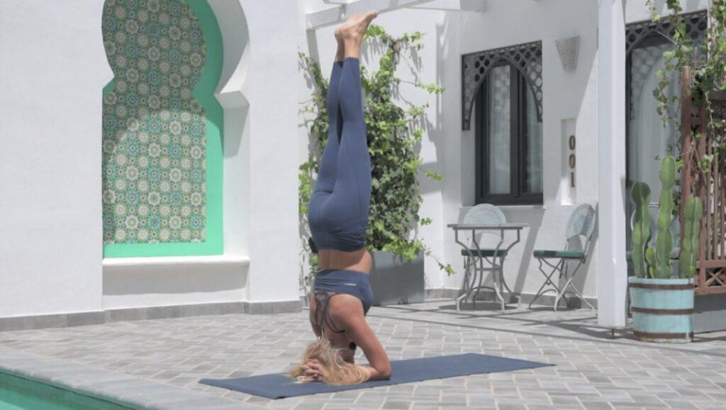 consejos y claves sobre yoga: posiciones invertidas en ashtanga yoga