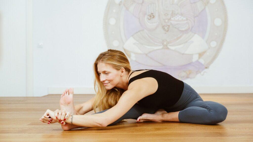 técnicas de yoga para hacer sirsasana paso a paso