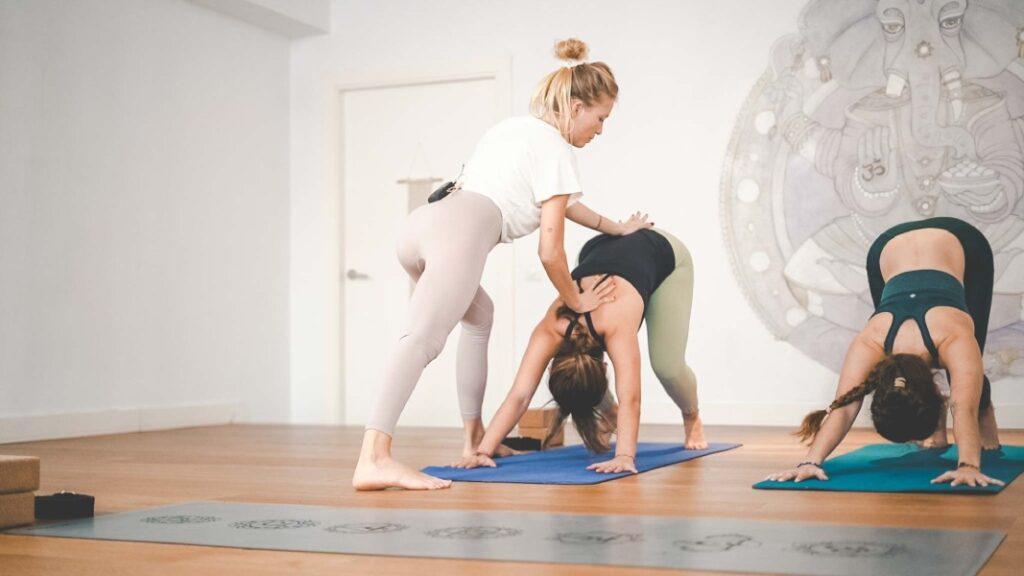 clases de yoga para principiantes con xuan lan