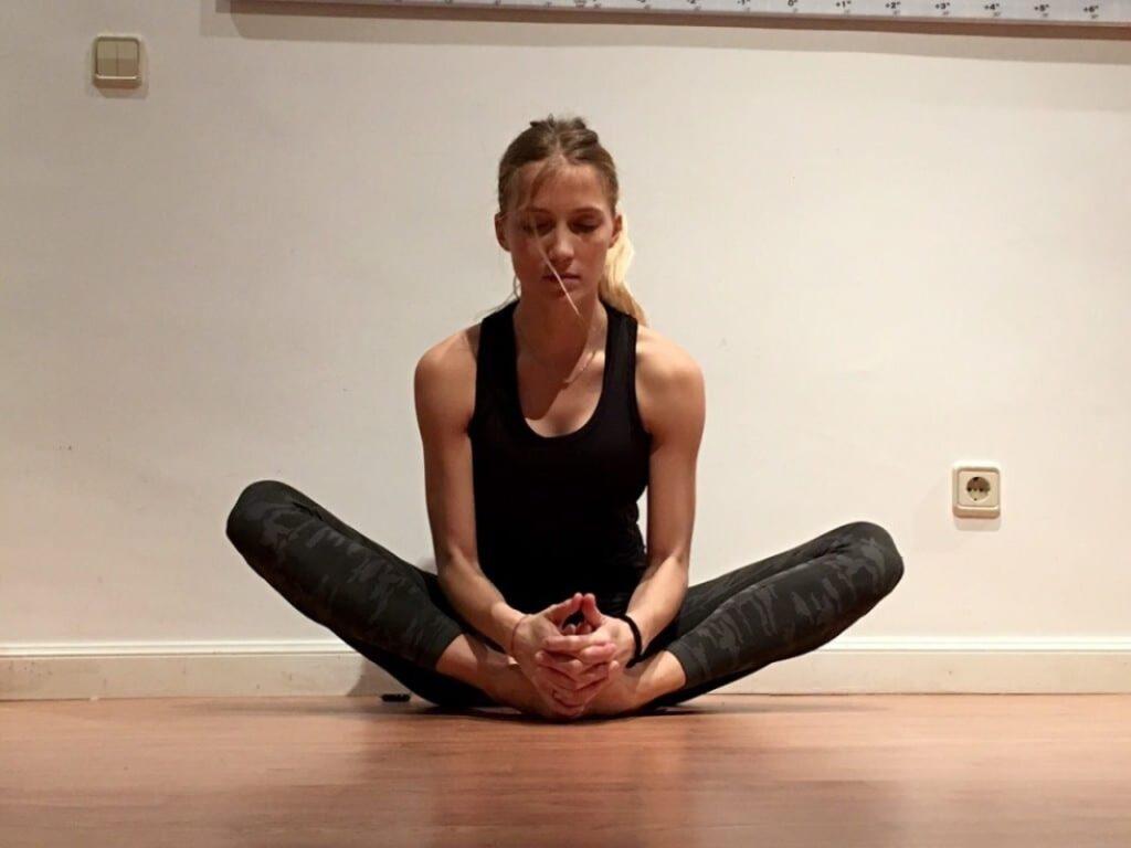 aprende ejercicios para abrir las caderas