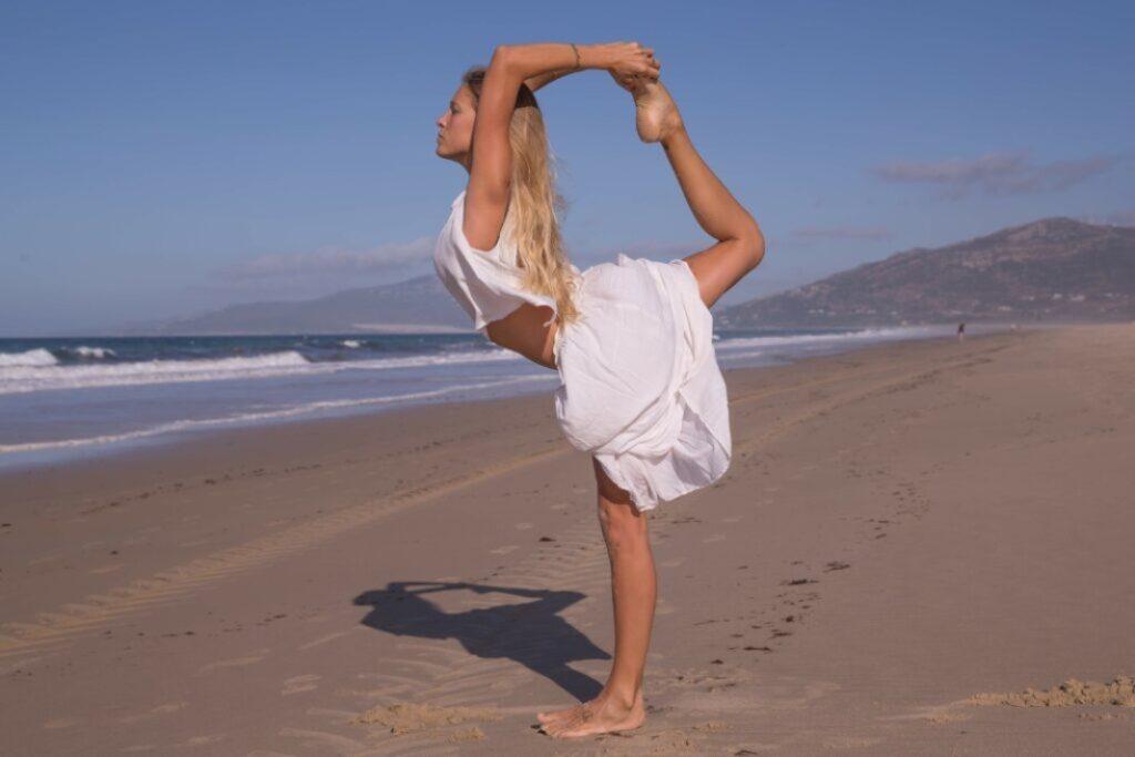 asanas de equilibrio para mejorar la concentración