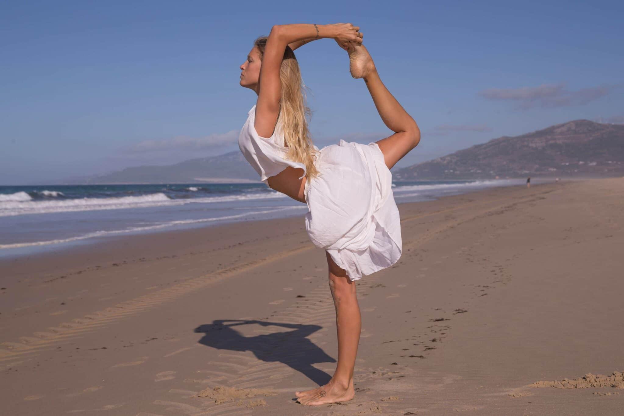 Postura del bailarín o natarajasana
