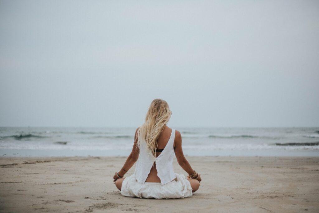 padmasana en iyengar yoga: utthita padmasana y ardha padmasana