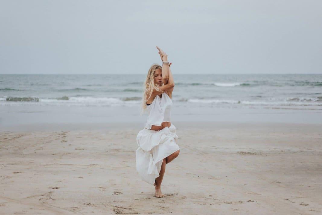 Todo sobre las posturas de pie en yoga