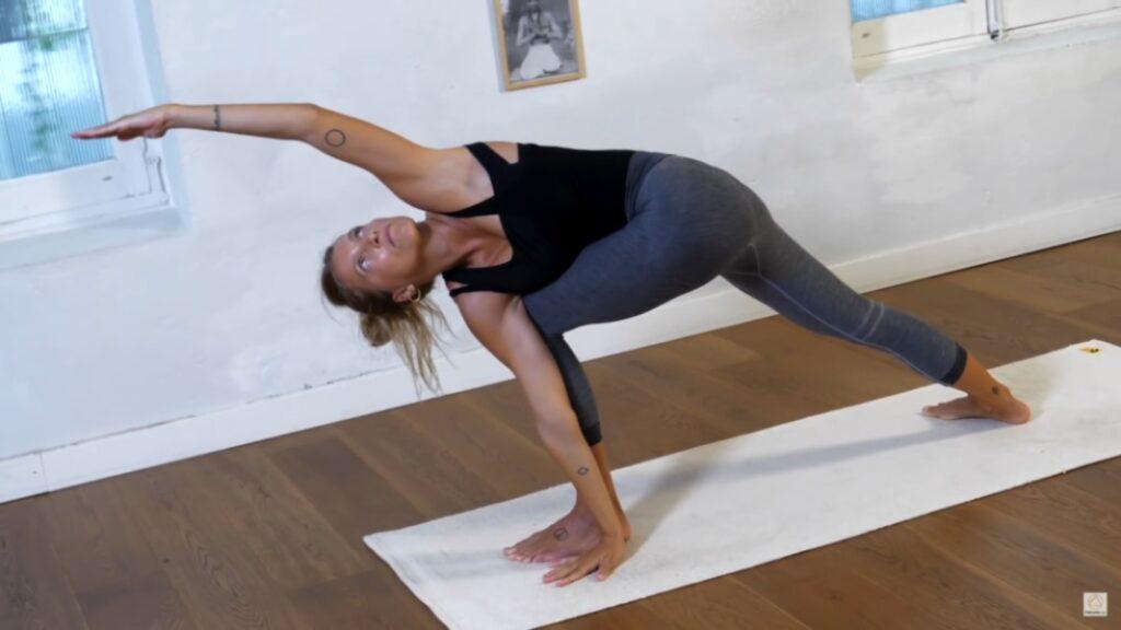 descubre todos los beneficios de ashtanga yoga