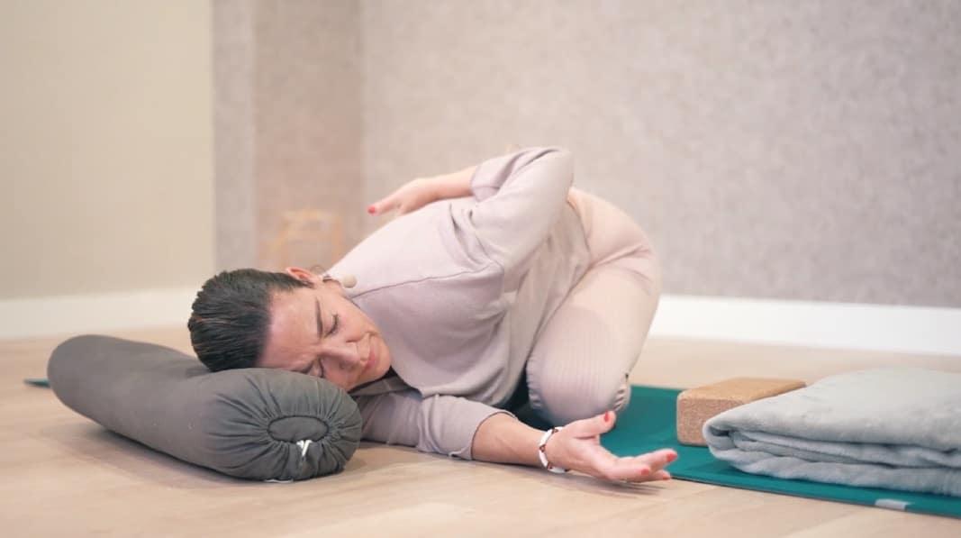 Qué es yoga nidra: el yoga para dormir mejor