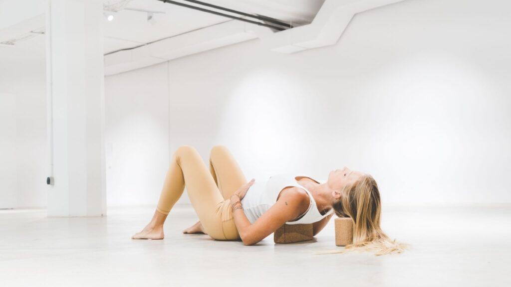 practicar yoga antes del parto