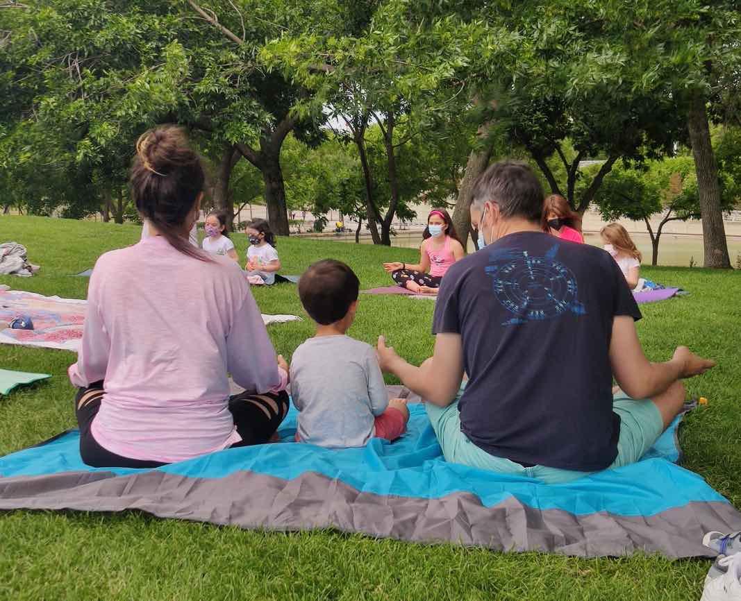 Cómo disfrutar del yoga en familia con niños