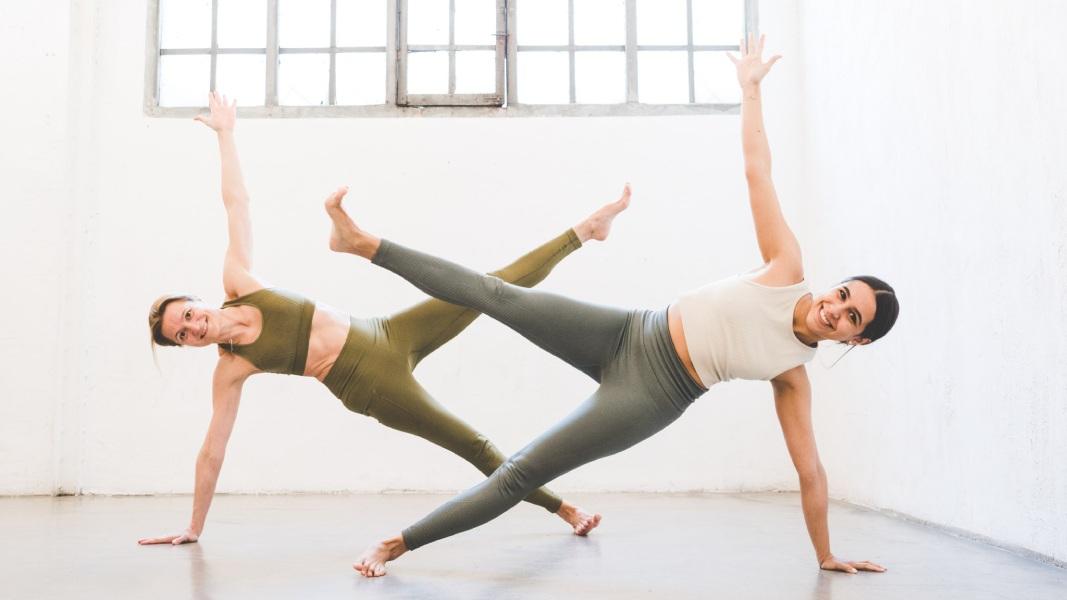 Tonifica tu abdomen con las mejores posturas de yoga