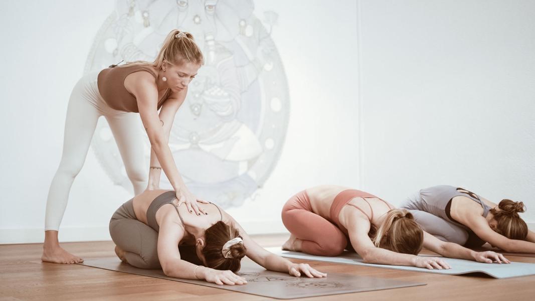 ¿Te apetece ser profesor de yoga?