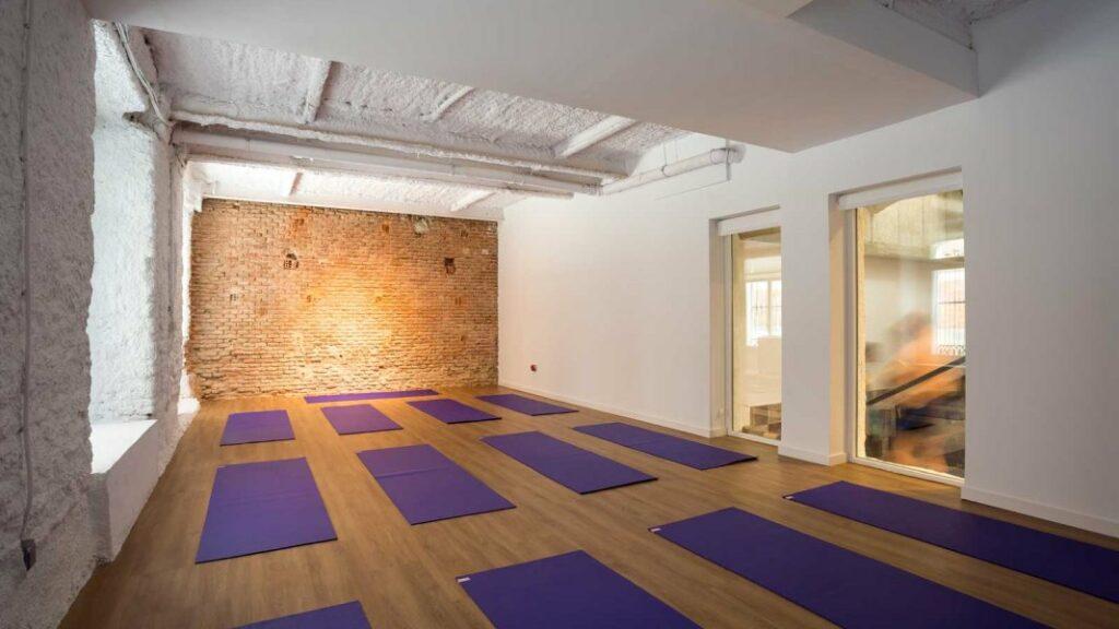clases de hatha yoga en Madrid a 40 grados