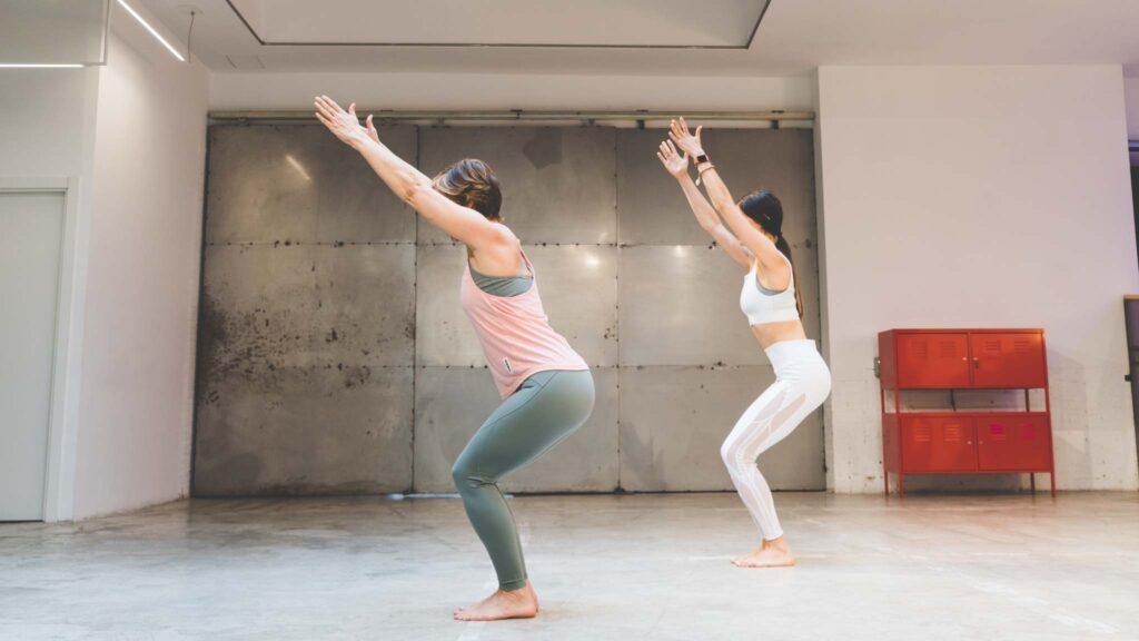 poses de yoga para dos