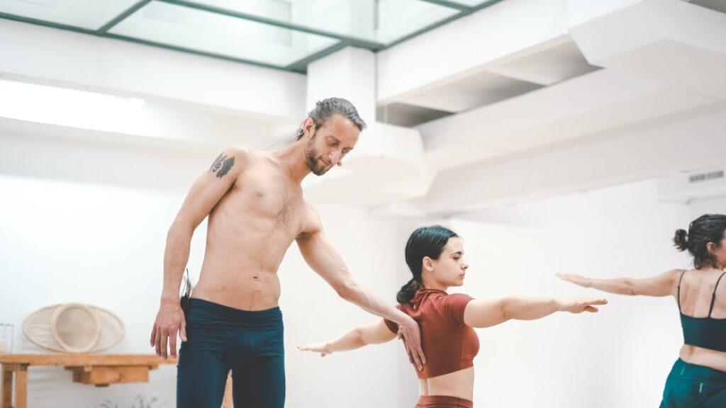 usa tus mantras de yoga en clase para una práctica completa