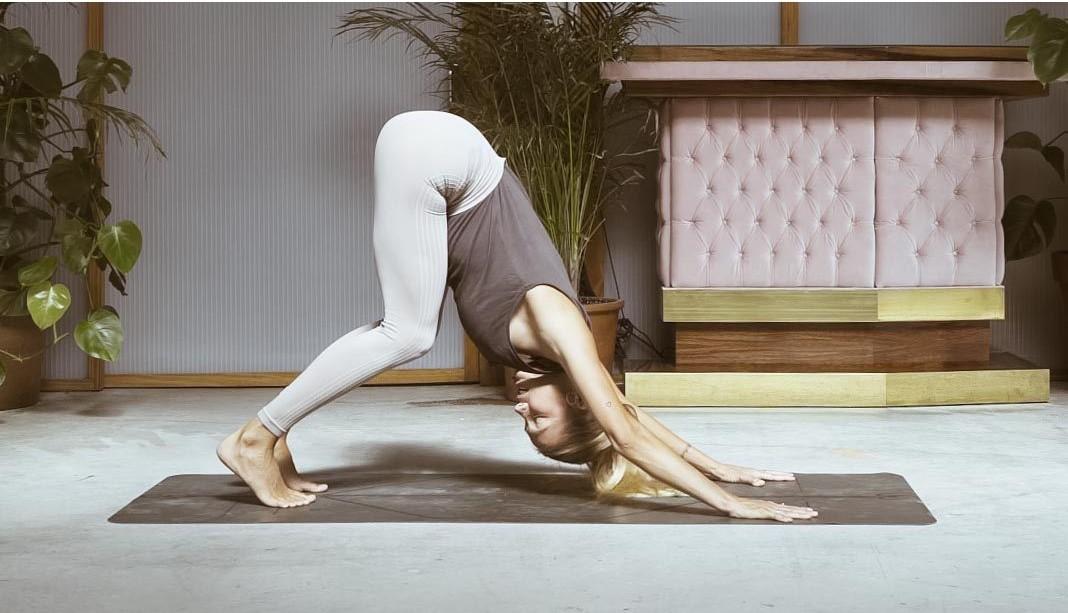 adho mukha flexibilidad