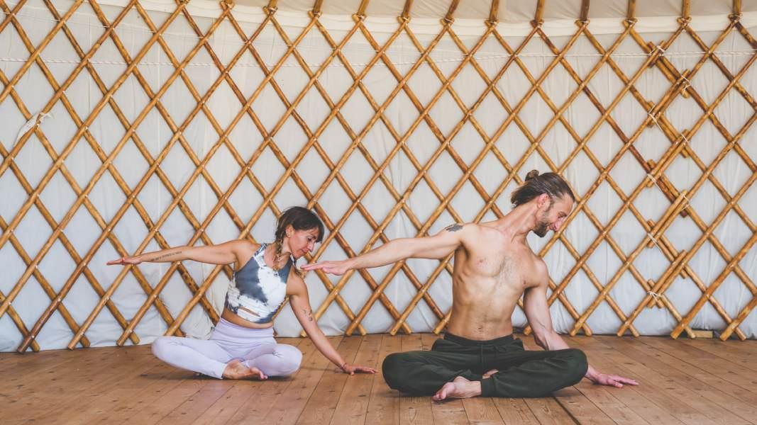 Qué es el yoga ayurveda: filosofía y medicina
