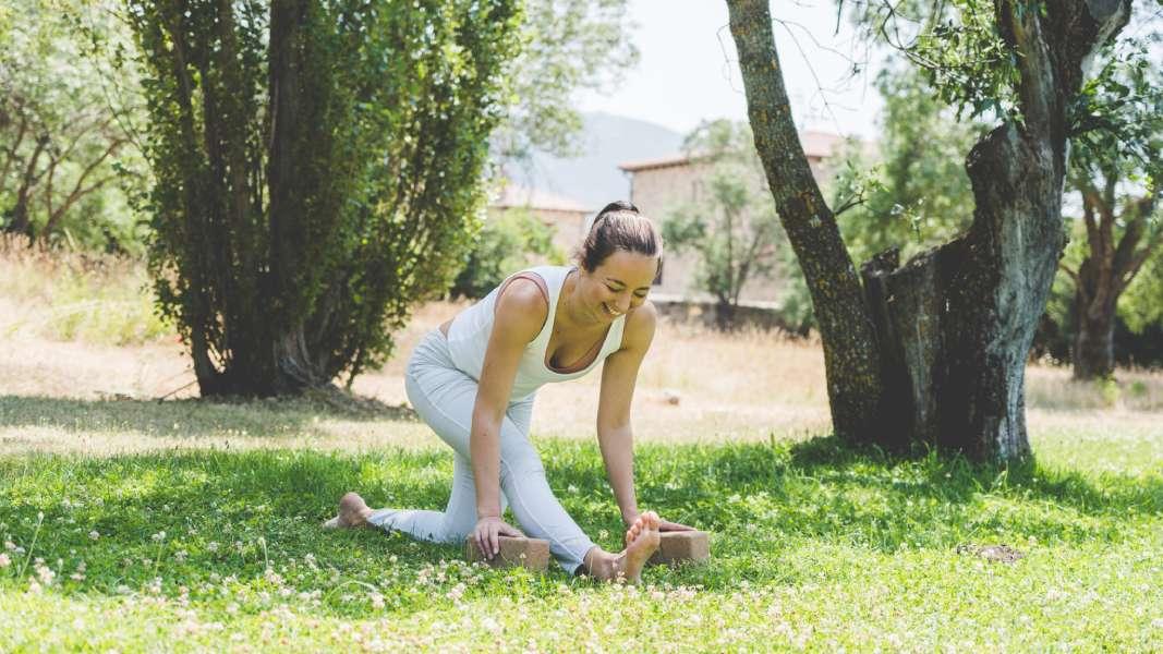 Qué es yoga terapéutico y sus beneficios