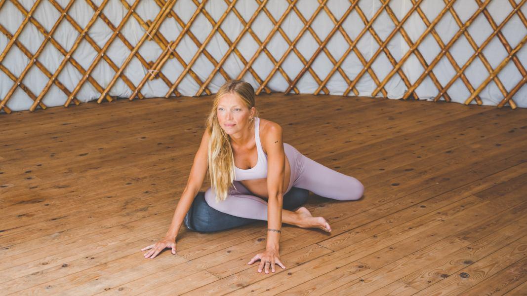 Yoga prenatal: posturas para el tercer trimestre